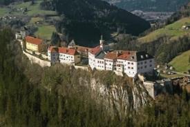 BurgStrechau